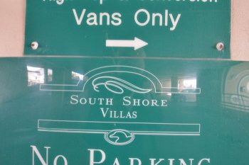 South Shore Villas Sign