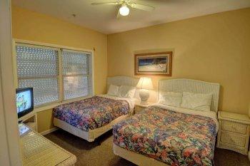 FLR 1: Bedroom
