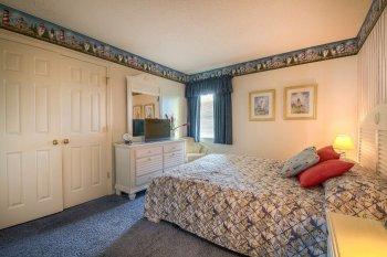 Guest Bedroom 2 - View 1